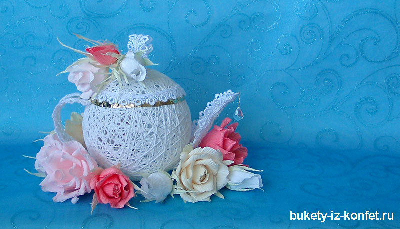 buket-iz-konfet-chajnik-foto-21