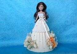 Кукла из конфет фото