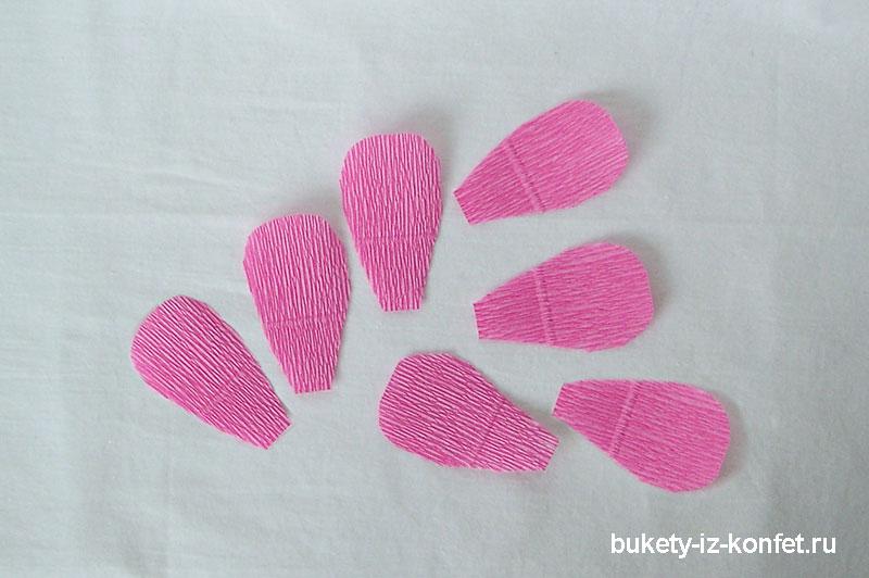 roza-iz-gofrirovannoj-bumagi-09