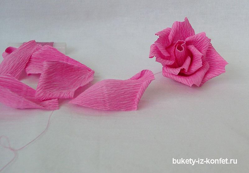 roza-iz-gofrirovannoj-bumagi-26