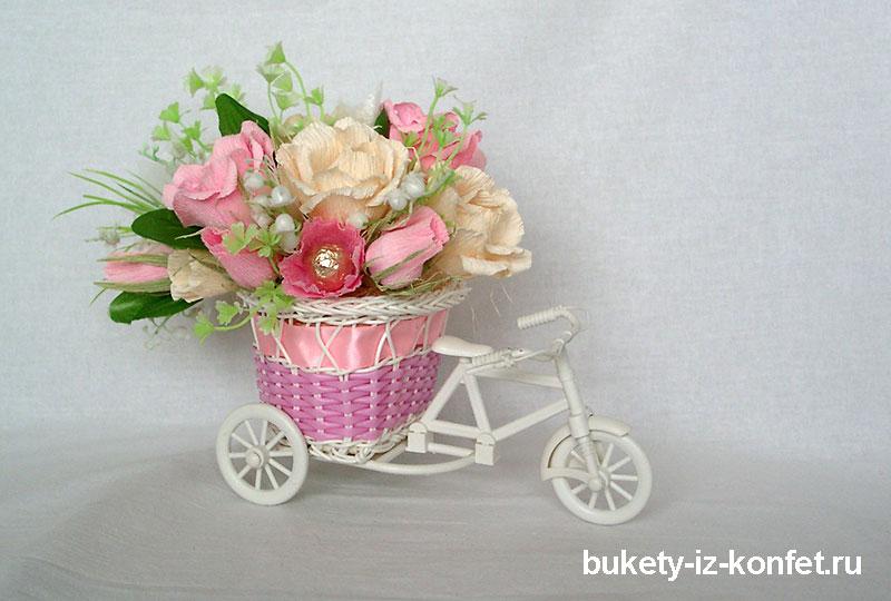 buket-iz-konfet-sladkaya-povozka-01