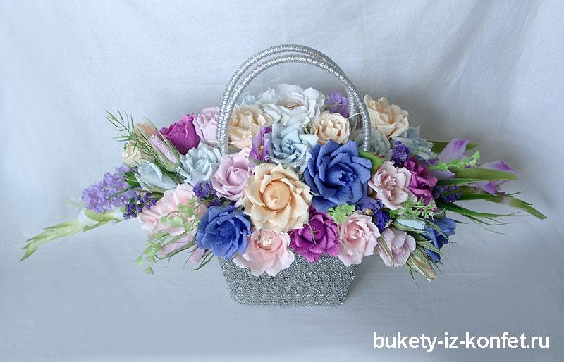 buket-roz-iz-konfet-07