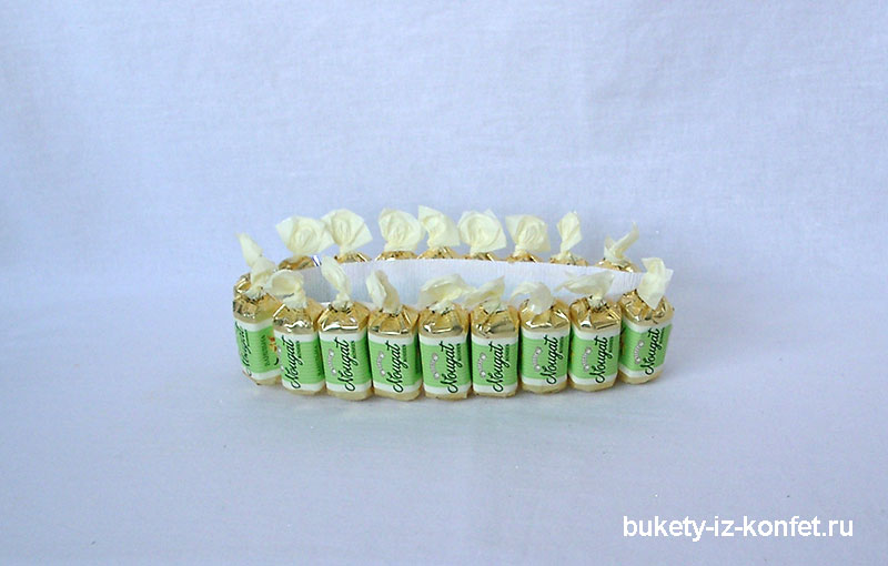 svadebnyj-tort-iz-konfet-15