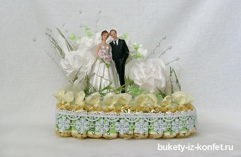svadebnyj-tort-v-vide-serdtsa-08