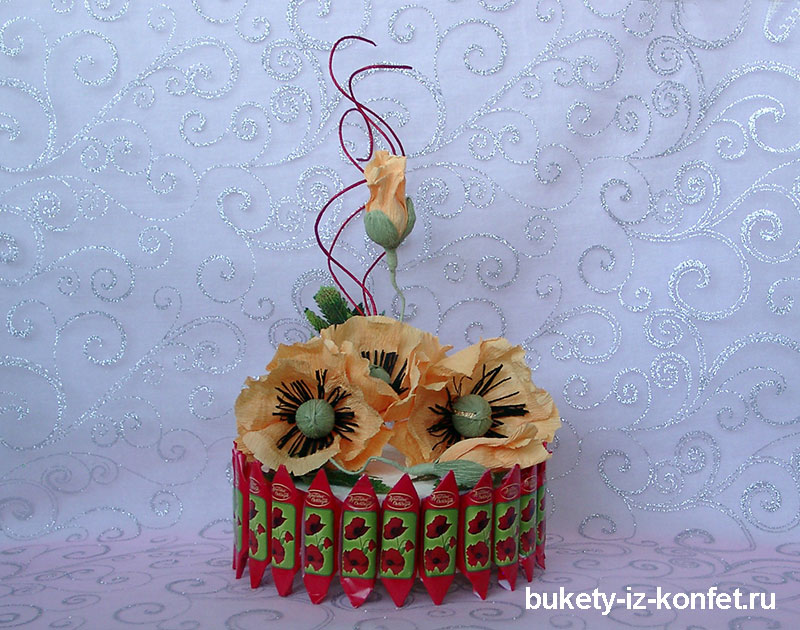 tort-iz-konfet-foto-92