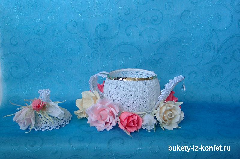 buket-iz-konfet-chajnik-foto-02