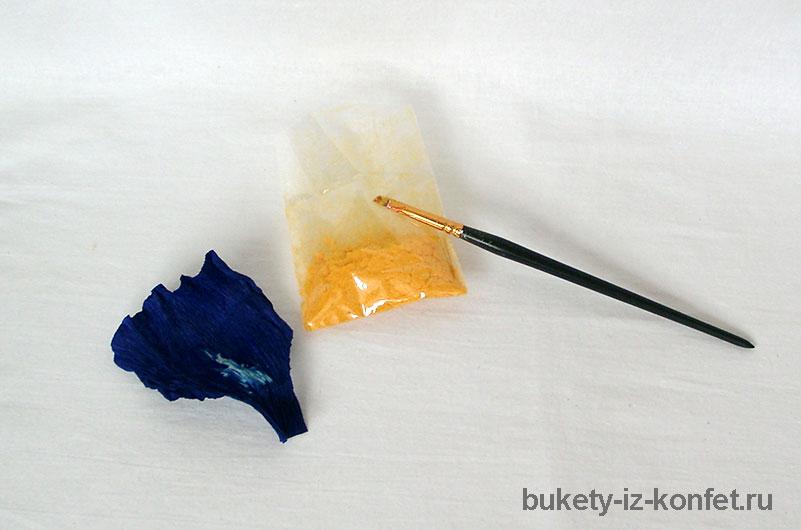 iris-iz-bumagi-i-konfet-10