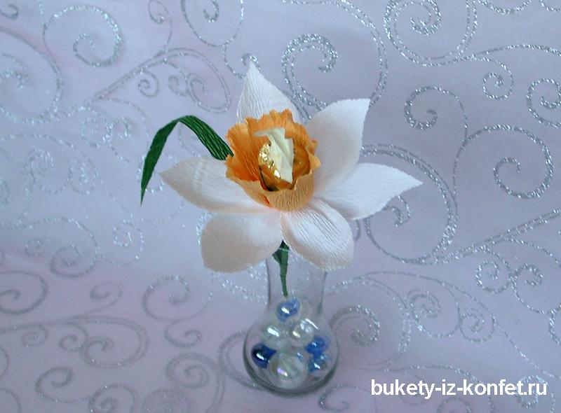 narcissy-iz-bumagi-i-konfet-14