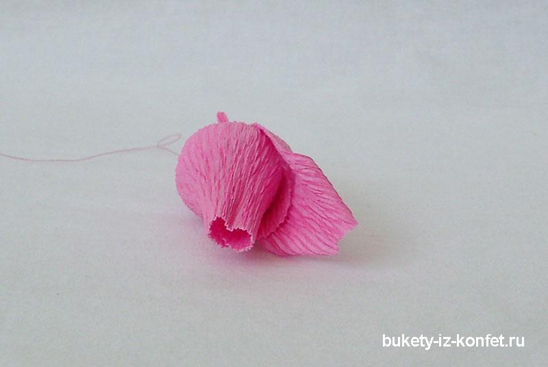 roza-iz-gofrirovannoj-bumagi-21