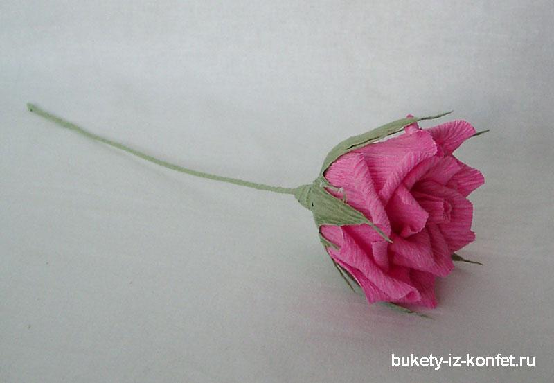 roza-iz-gofrirovannoj-bumagi-33