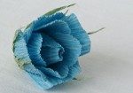 Маленькая роза из конфет