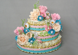 Как сделать торт из конфет и гофрированной бумаги