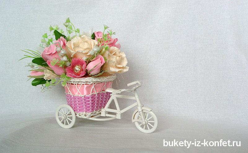 buket-iz-konfet-sladkaya-povozka-08