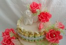 Как красиво украсить торт из конфет?