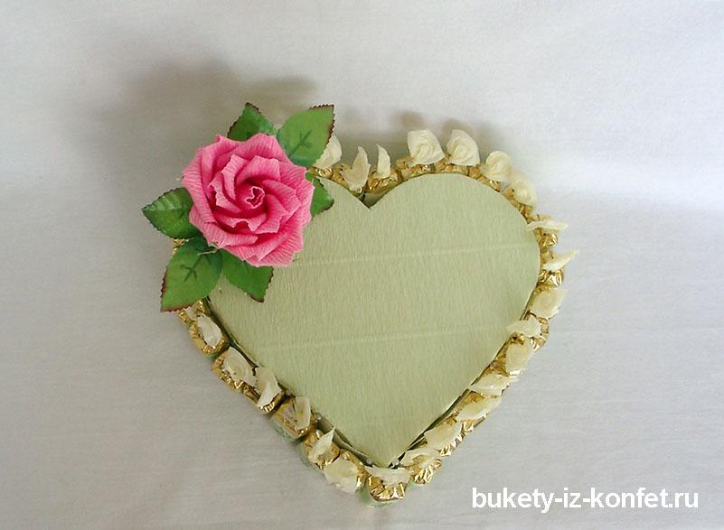 Торт из конфет в виде сердца мастер класс